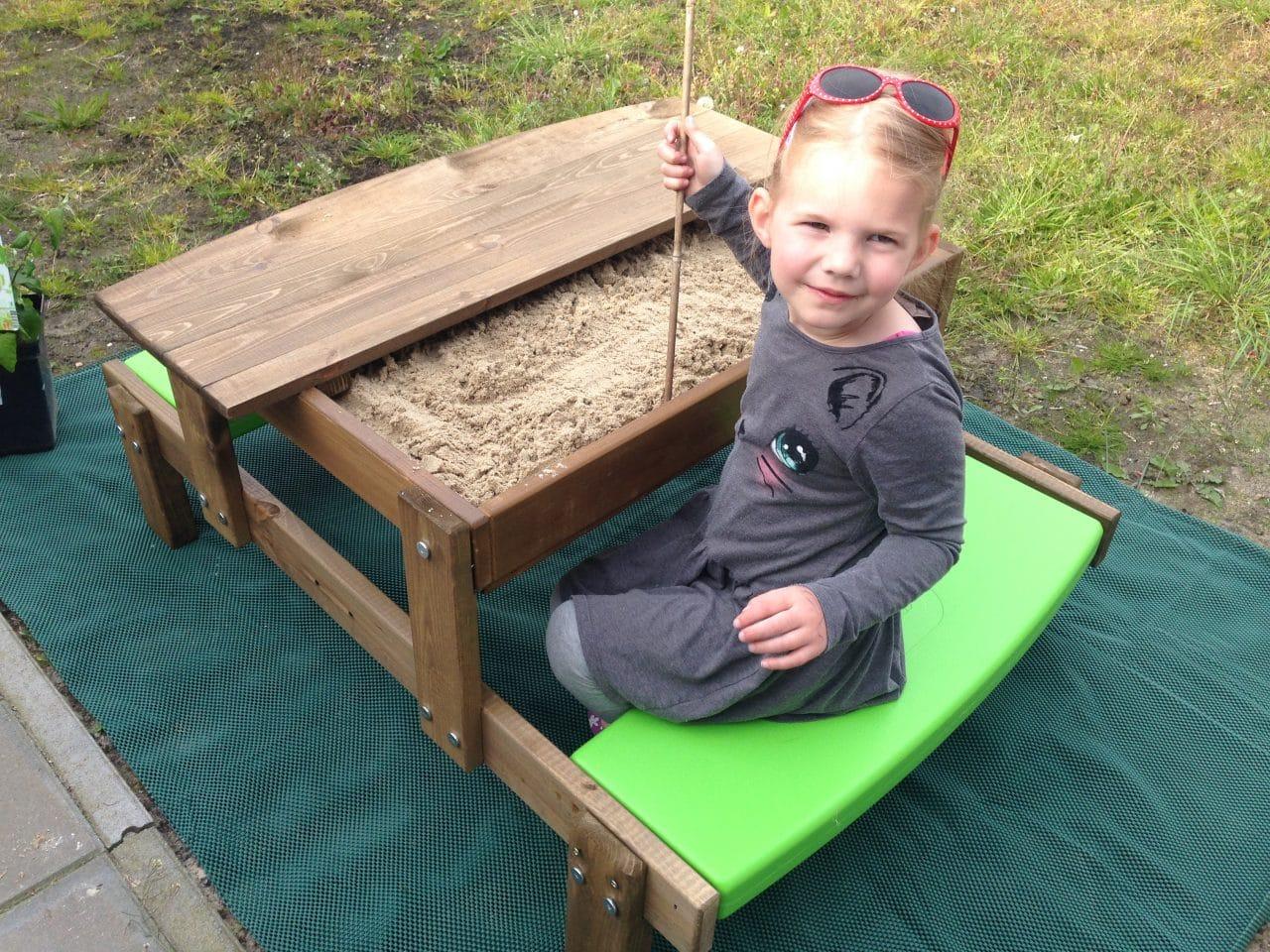 picknick- en zandtafel in één