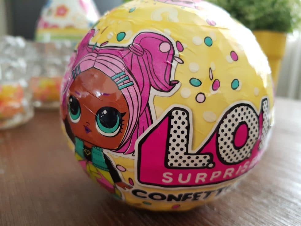 Review LOL Surprise Confetti Pop