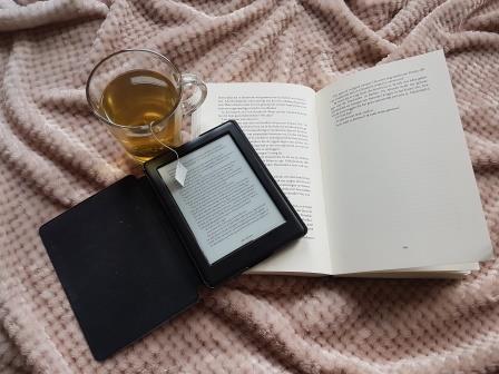 E-reader versus boek; 8 voordelen en 4 nadelen