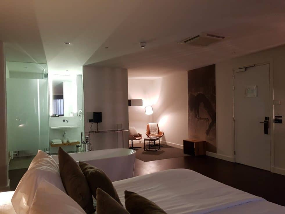 Luxe overnachten in Theaterhotel Venlo; zo vanuit de theaterzaal je bed in!