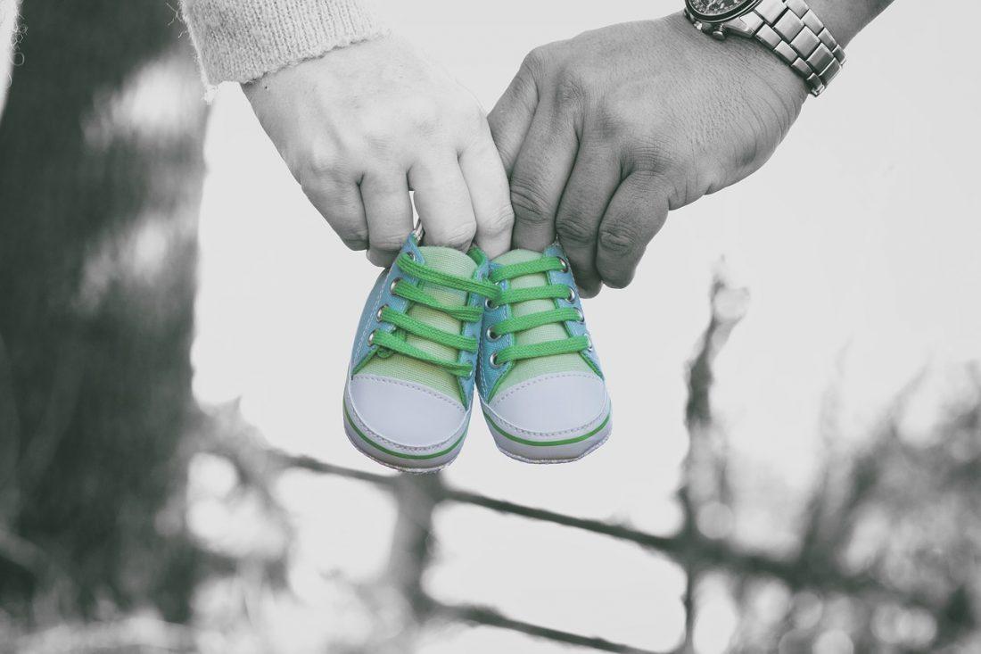 wij zijn zwanger; hoe deel je dat je zwanger bent