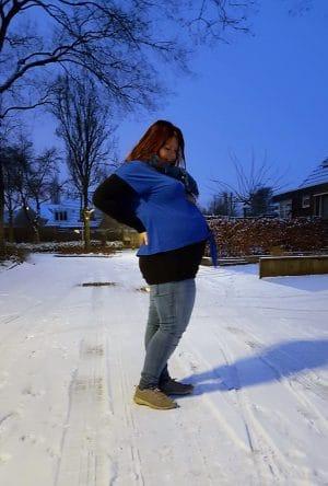 Deze zwangerschap mis ik veel meer dan het niet mogen eten van bepaalde voedingsmiddelen. Persoonlijke blog. Afbeelding toont zwangere foto.